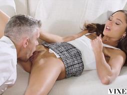 VIXEN She Likes Sleeping With Married Boys