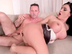 Buxom dark haired, Stunner Devil is having unbelievable fucky-fucky with Bellman, while her accomplice is working