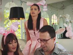 Dad mouth smashes compeer crony s daughter-in-law Uncle Tear Up Bunny