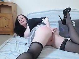 Sexy Maid Plays On Cam