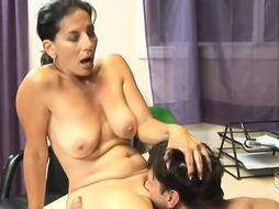 Sultry mature with saggy breasts is having casual fuckfest in the office, during a coffee break