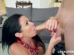 Veronica Avluv is pridefully flashing her massive globes and hoping to get doublefucked on the bed