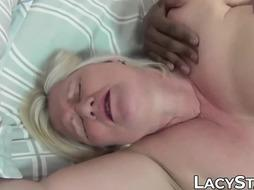Stunning grandmother Lacey Starr creampied with bi-racial manmeat