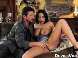 Anissa Kate is impatient to pummel her elderly paramour until he jizzes
