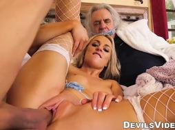 Sex Industry Star wifey cuckolds husband with renowned Tommy Gunn