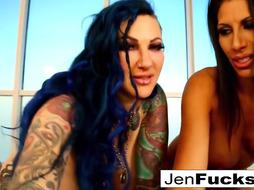 Erotically flawless plowing with COUGAR Jenevieve Hexxx and Makayla Cox