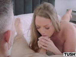 Fantastic coed is pulverizing one of her lecturers and getting that firm knob up her backside