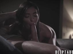 Teenage Emily Willis daringly takes a thick lollipop deep in her humid cunny