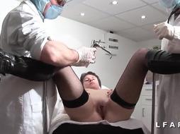Mum francaise defoncee et fistee chez le gyneco