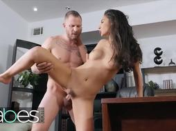 HONEYS - Fashionable Nubile Gianna Dior gets exploited by her doc