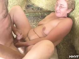 Mature German Housewife wants to experiment fresh spears