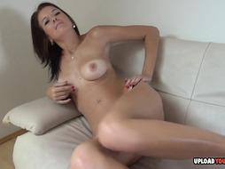 Desirable gf peels off and uses a fake penis