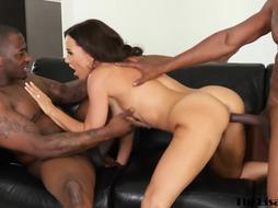 la020_Busty COUGAR Lisa Ann dual boinked by 2 BIG BLACK COCK in threewayblackout3-lisa-isiah-rob_1080p.mp4