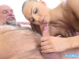 Jiggish new blondie model getting off on mature pink cigar