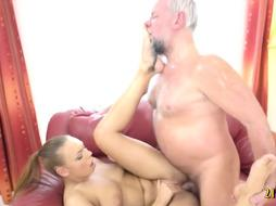 Foxy nubile humped by an unpleasant Hungarian gramps