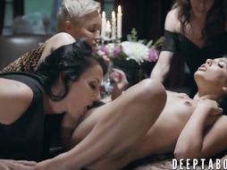 Nefarious dykes Gina Valentina and Reagan Foxx love sucky-sucky fucky-fucky