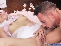 Tiny Chinese Nubile Fucky-Fucky Female Gets Oral Job