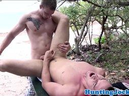 Pickedup amateur hunk assfucked at the beach