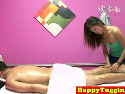 Bigtits masseuse seducing her client