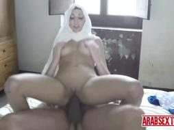 Homeless arab chick gets extra cash