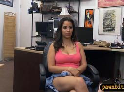 Pretty woman screwed by nasty pawn dude