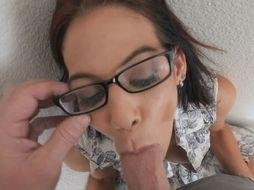 MILF Ryder Skye giving head to a guy