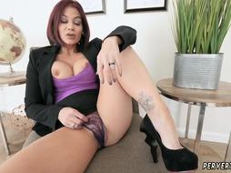 Milf is Blowing Cock like a real Pro