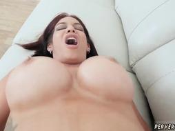 Teen has huge orgasm and blonde milf with big natural