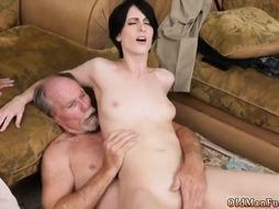 Old milf fucks playfellow' patron's sons Frannkie goes