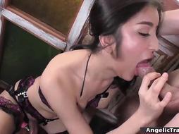 Tgirl Alice enjoys sucking big dick