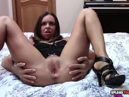 Wondrous Black-Haired Uses A Fuck Stick While Jerking - PornGem