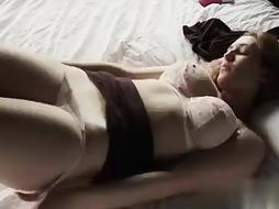 Damsel Tugging Ava - PornGem