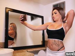 Aaliyah is a blonde babe who likes to have anal sex