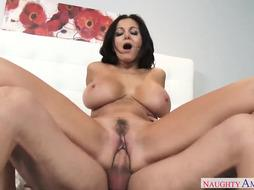Brunette with big Boobs is fucking a dude