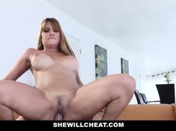Latin milf with tits is fucking