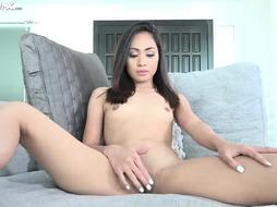 Asian babe is is just doing wath she wants