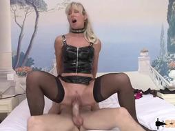 Marina is a blonde woman who likes to fuck