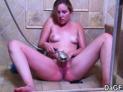 Douche climax with My fantastic gf
