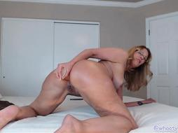 PHAT ASS WHITE GIRL Cougar Live Web Cam Display Chaturbate JessRyan