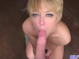 Giant and uber-sexy ash-blonde COUGAR Dee Williams - Part 1