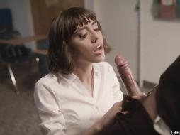 Schoolgirl Janice Griffith manages her lecturer for intercourse - TRENCHCOATx