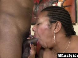 Red-Hot stunner Xoticia enjoys showcasing her fur covered cunny and gaggin