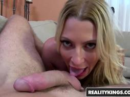 RealityKings - Cougar Hunter - Finest Melon