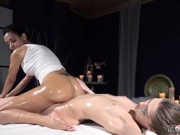 Well-Lubed booty Latina massagist scissoring