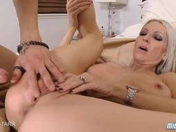 Steaming Platinum-Blonde Cougar Emma Starr Gets A Internal Cumshot