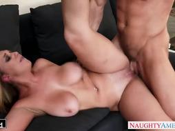 Blond Brooke Wylde gets gigantic bumpers banged