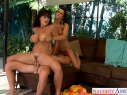 Huge-Boobed Rachel Starr and Lisa Ann pummel in 3 way
