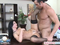 Supreme dark-haired India Summer tearing up
