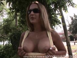 School Coed Gets Nude Outdoors