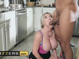 Dee Williams is having casual fucky-fucky with Ricky Johnson and massaging her clittie to spice it up